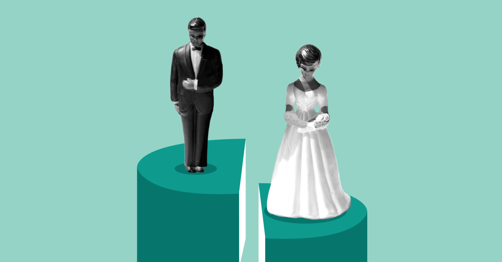 Husband And Wife Figure On Wedding Cake, Husband on Higher Level Than Wife