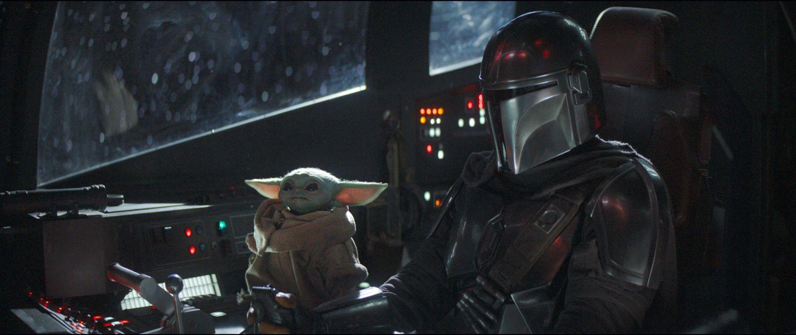 Baby Yoda on starship