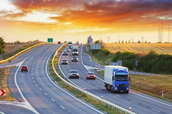 Truck accidents involve serious legal challenges.