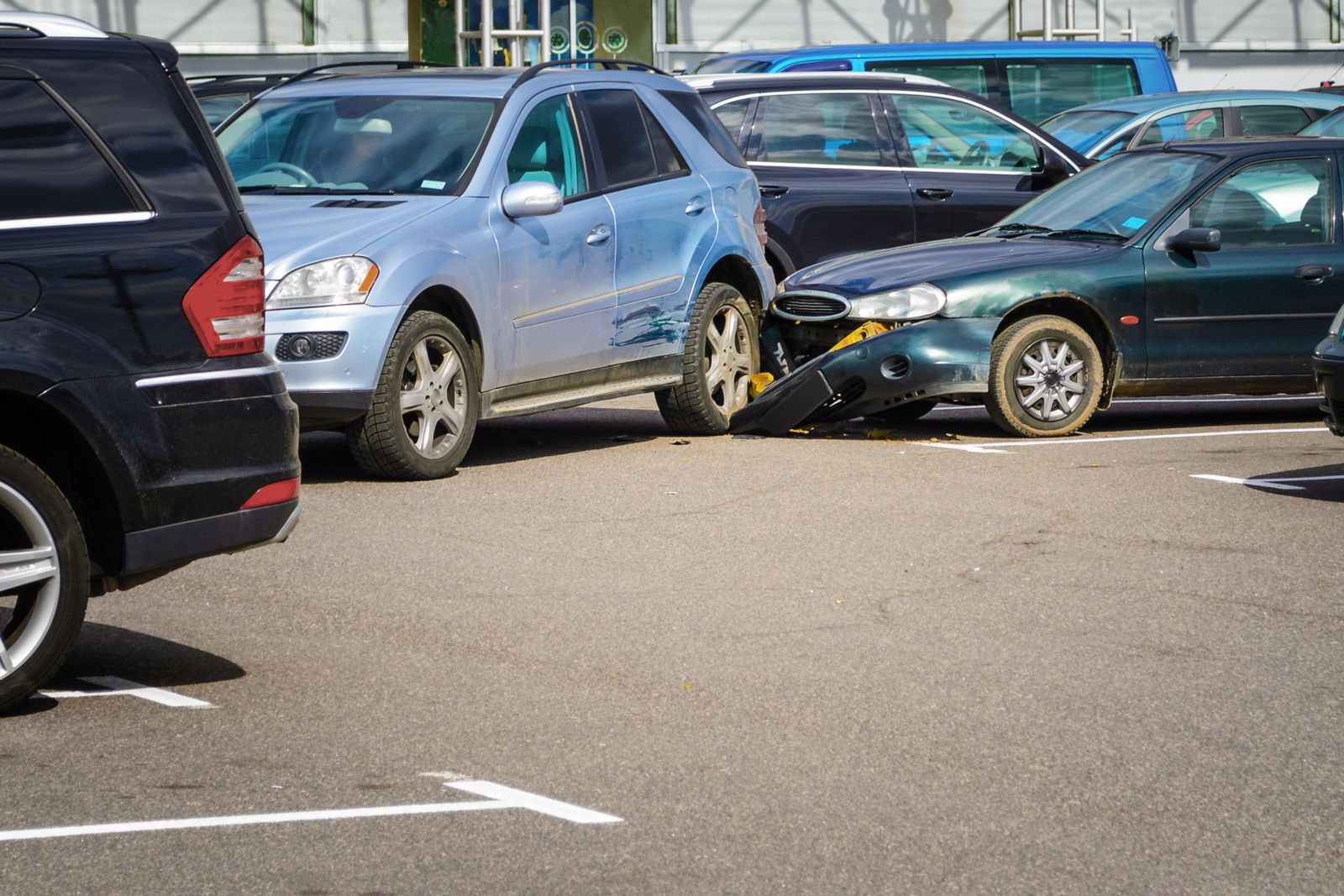 Parking Lot Safety Tips to Follow This Holiday Season