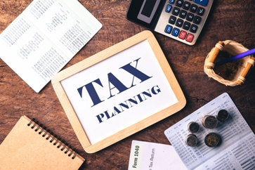 Tax Planning Information With a Calculator