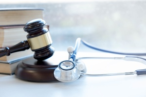 gavel and stethoscope representing medical malpractice
