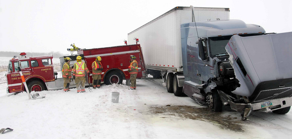 semi truck accident snow