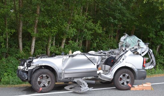 three teens killed in accident with parked semi trailer