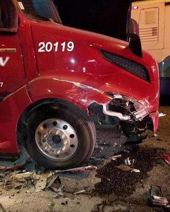 semi truck crash pic Sumner