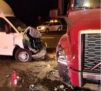 box truck and semi truck accident photo Sumner