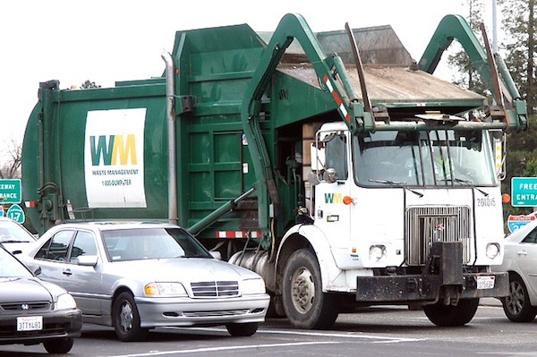 garbage truck auburn wa