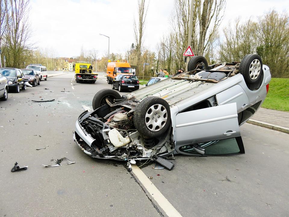 rollover crash kennewick rural road