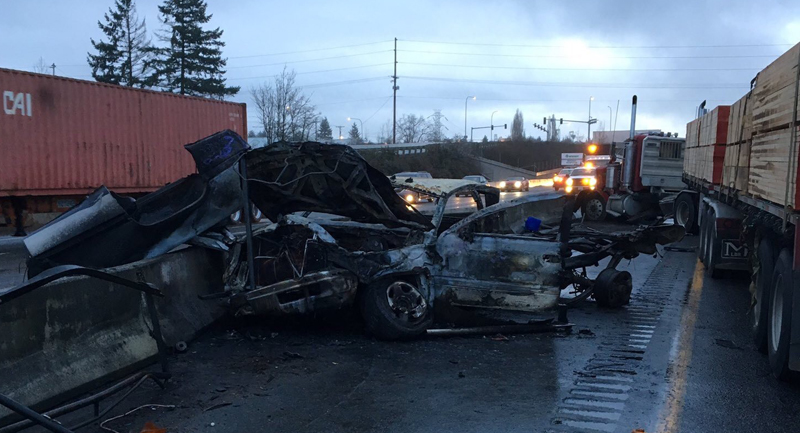 semi truck crash chehalis