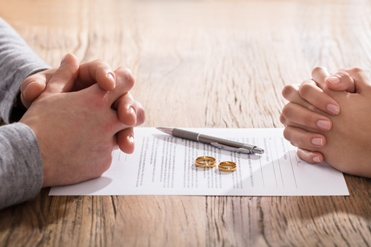 Married Couple With Uncontested Divorce Paperwork