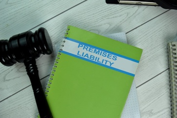 Premises Liability Notebook and Gavel