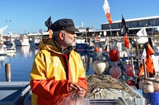 fisherman_on_boat