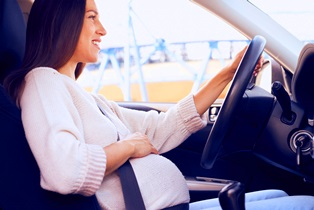 pregnant_woman_driving