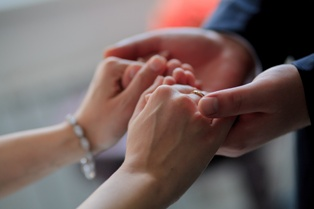 Do You Know How to Help When Your Spouse Has Been Charged With Reckless Driving?