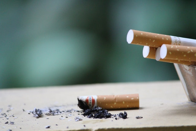 smoking causes surgical complications