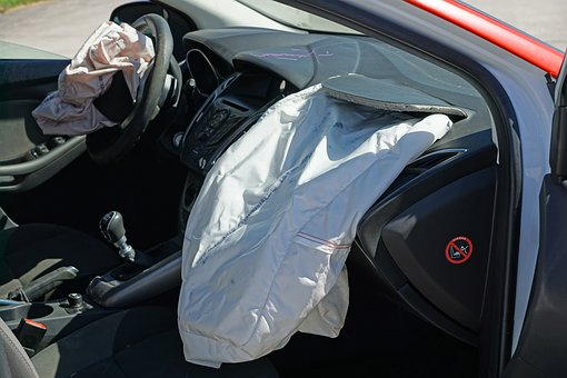 Exploding Air Bag to prevent car accident injury in iowa