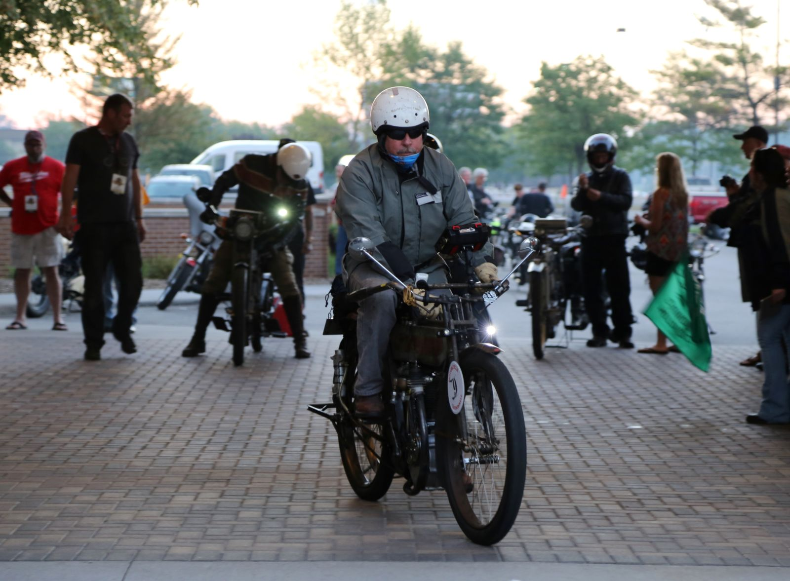 Dean Bordigioni on his 1923 Harley-Davidson JF wins first place in the 2018 Motorcycle Cannonball Final