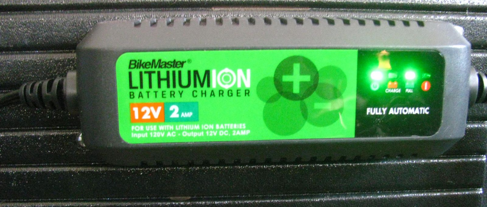 Lithium ion trickle charger