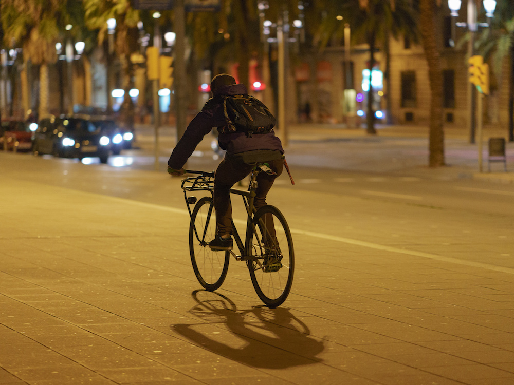 biking safely after dark in Los Angeles to avoid collisions and avoid needing a bike accident lawyer
