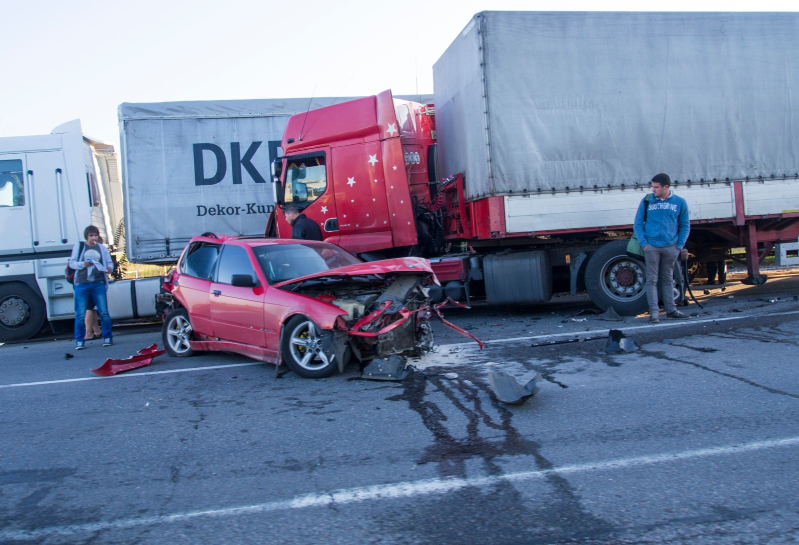 truck-accident-attorney-on-road
