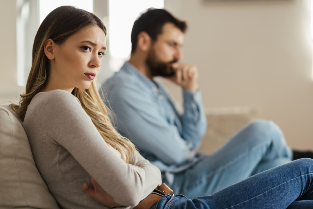 couple getting a no-fault divorce in Washington due to irreconcilable differences