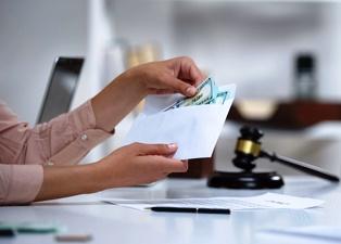 Determining claim compensation in KS or MO car accident