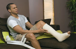 Forget the plaster: podiatrists help you say good-bye to casts for broken feet!