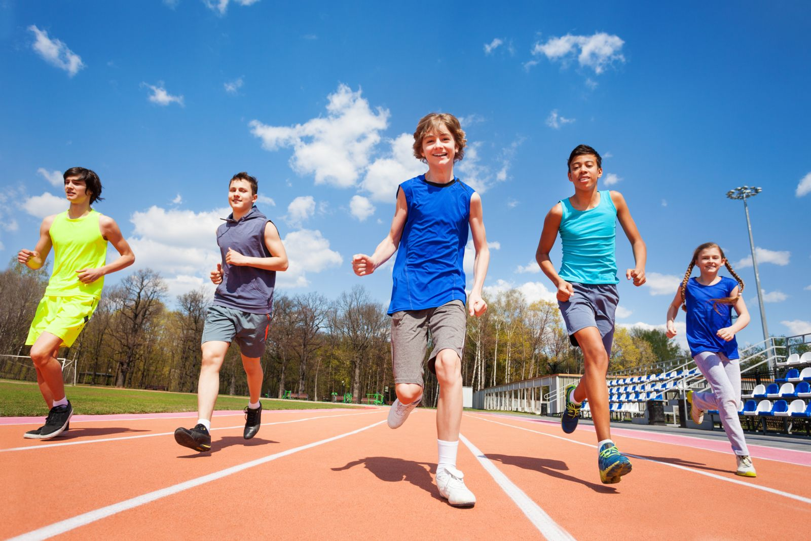 Houston podiatrist discusses kids running with heel strike and midfoot strike