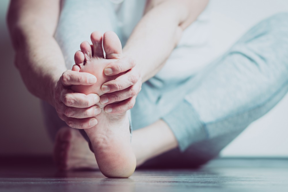 Houston podiatrist treats Morton's neuroma causing ball of foot pain