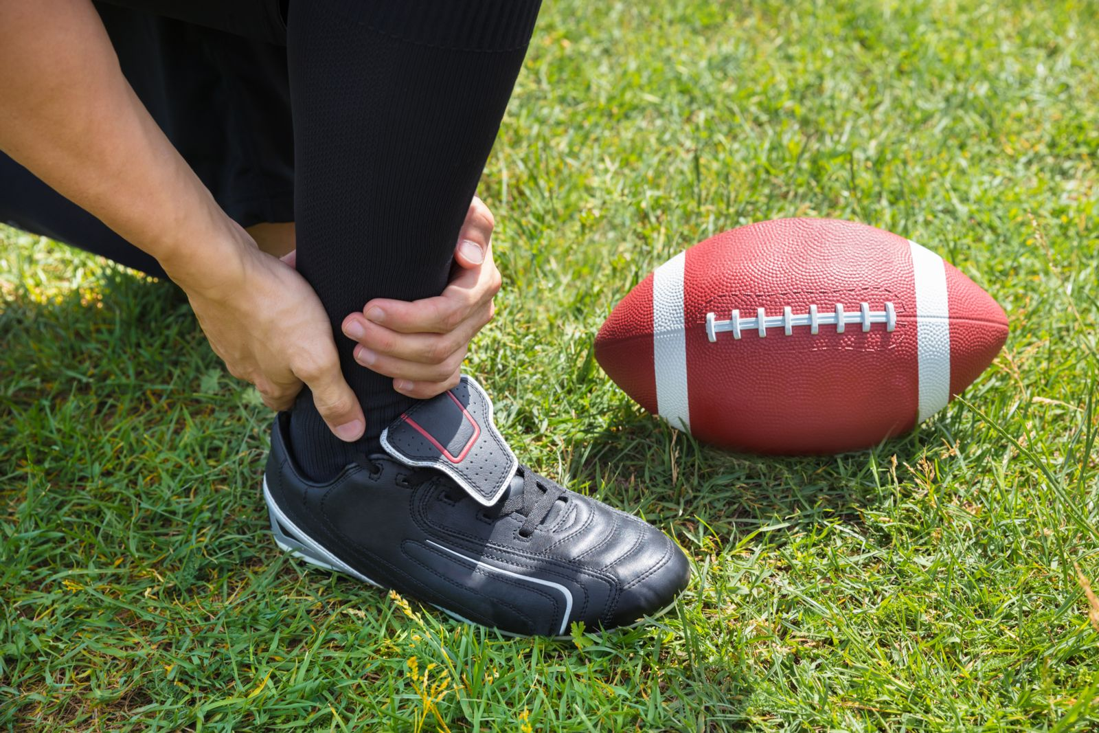 Football players have a high turf toe risk because of their training fields