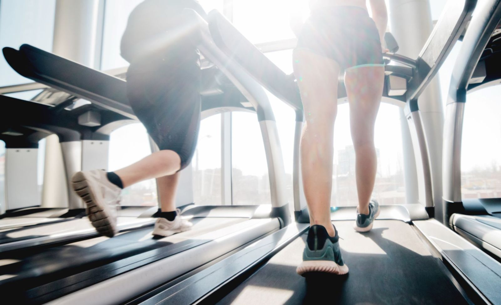 Treadmill runs are a great alternative when outdoor training isn't possible, but watch out for these common treadmill injuries!