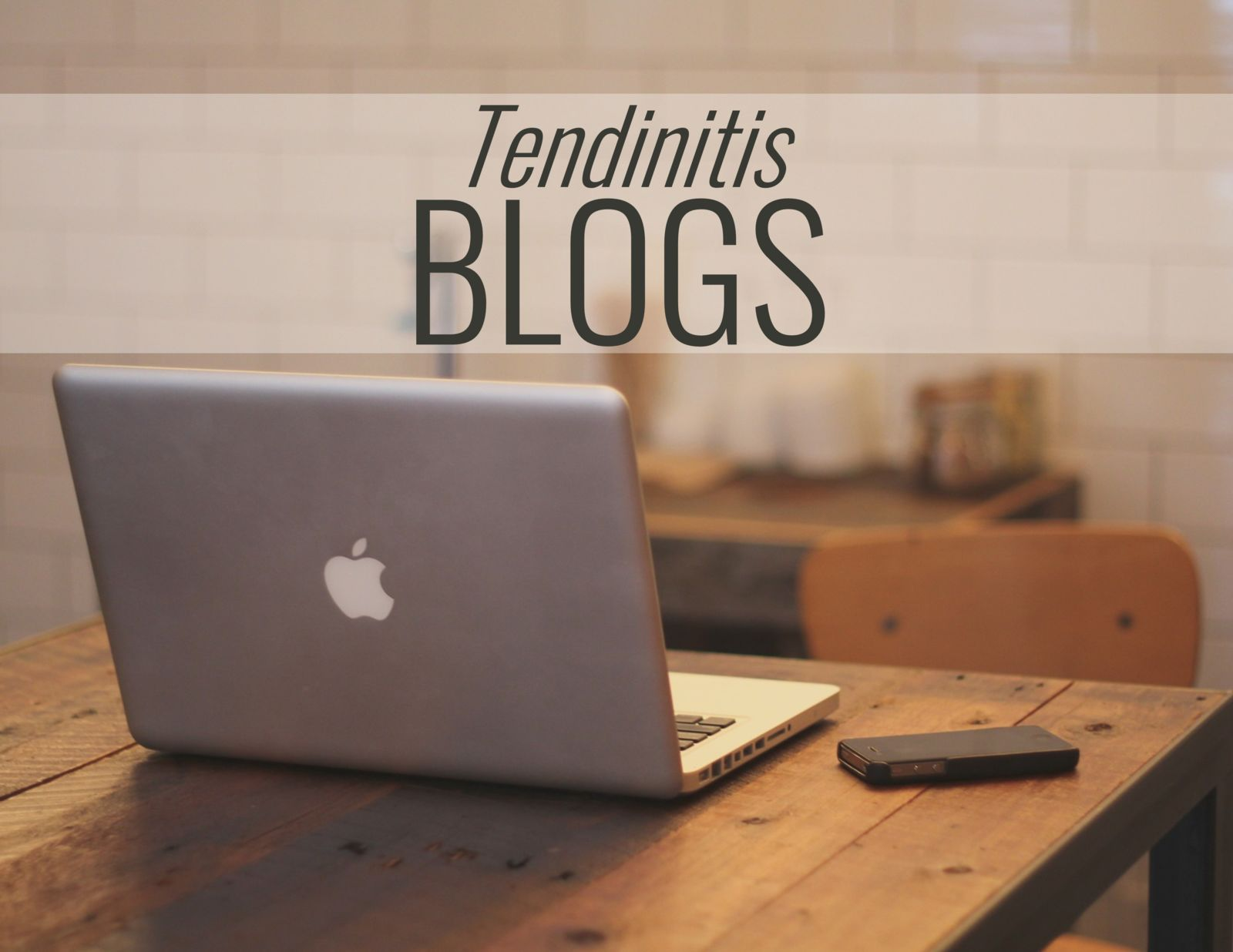 computer on a desk and the words: tendinitis blogs