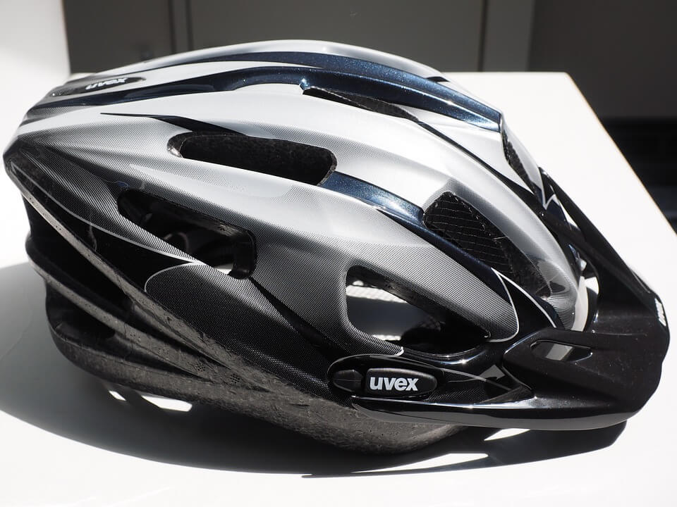 Bicycle helmets and brain injuries