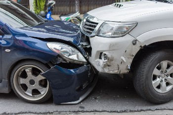 Protect your rights after a head-on collision.