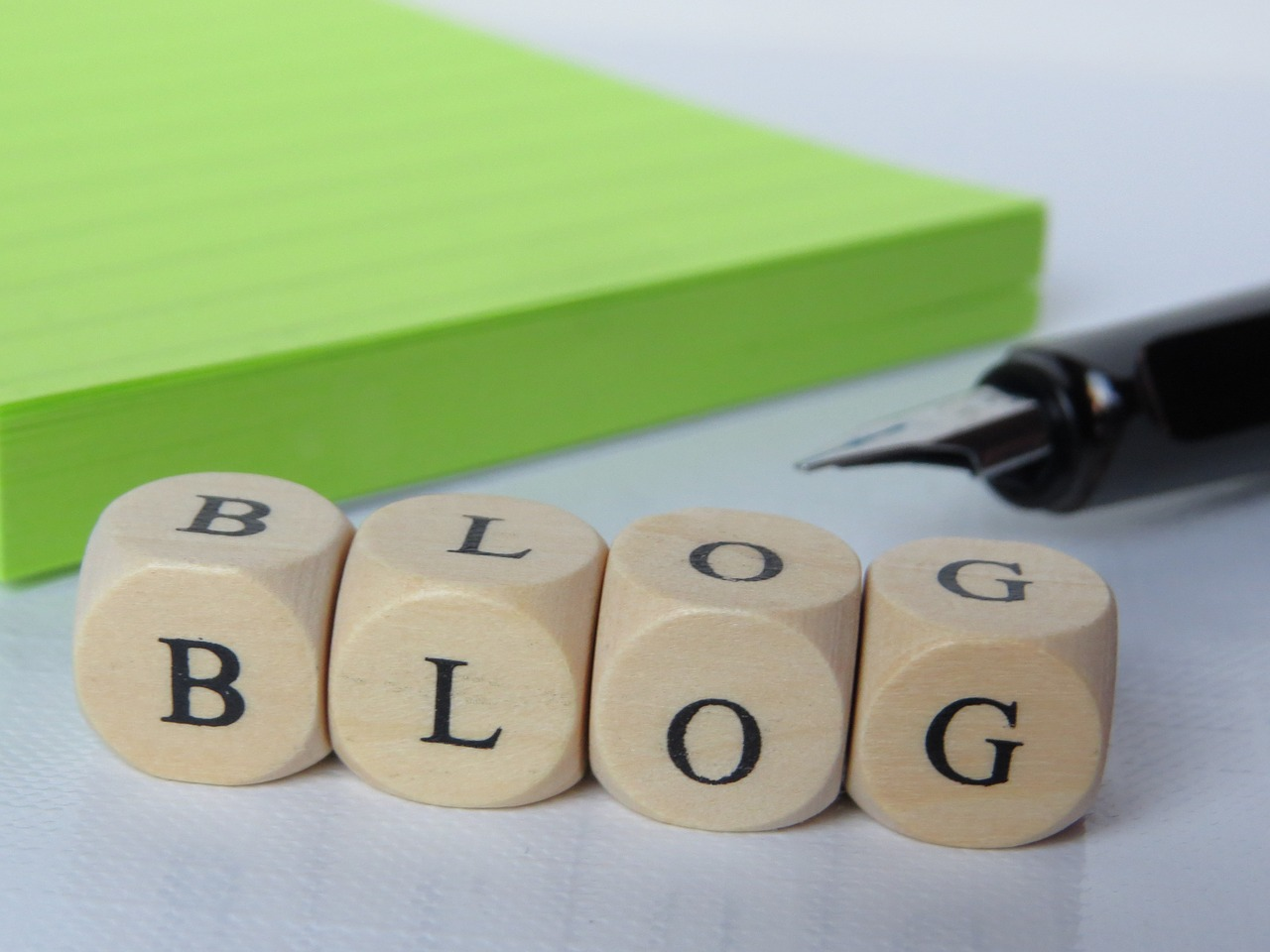 How do I find great topics for my law firm's blog?