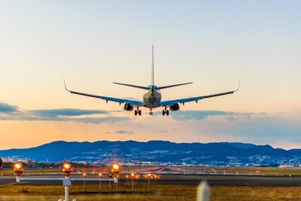 airplane take off landing airport