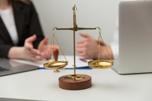 scales of justice attorney referral