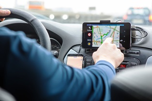 Navigation and infotainment systems cause distracted driving accidents Neblett, Beard and Arsenault
