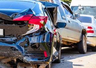 Causes of rear-end accidents and the resulting injuries