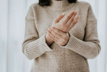 Is it time to consider carpal tunnel surgery?