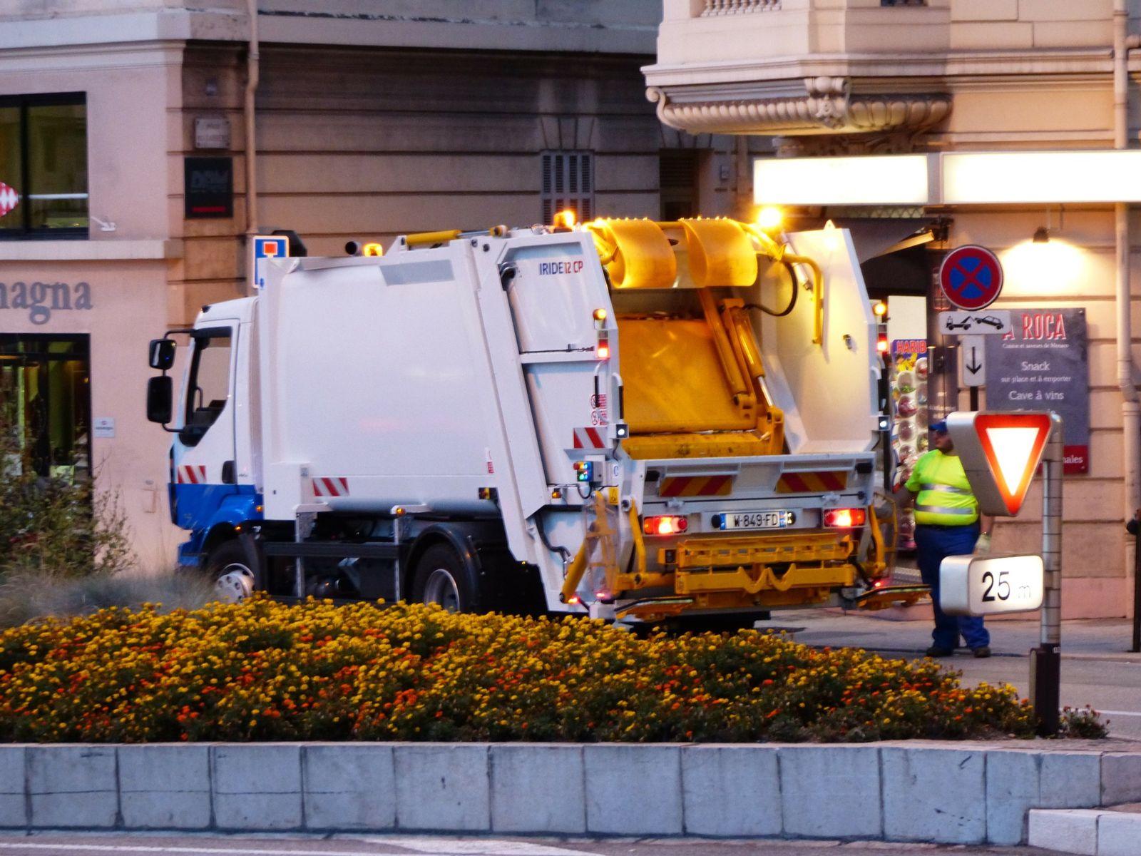 Dump Garbage Truck