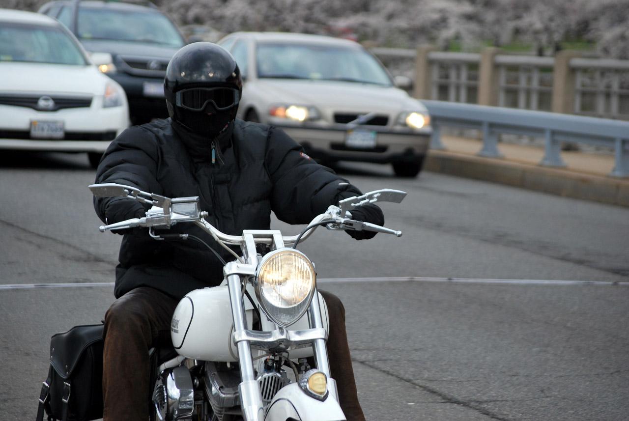 CC0 via Needpix -- https://www.needpix.com/photo/1323479/rider-motorcycle-bike-helmet-traffic