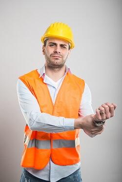 New York construction worker with broken wrist injury