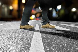 walking_at_night