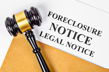 Legal Foreclosure Notice With a Judge's Gavel