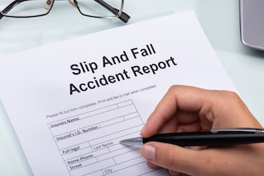 slip and fall accident report in kansas and missouri