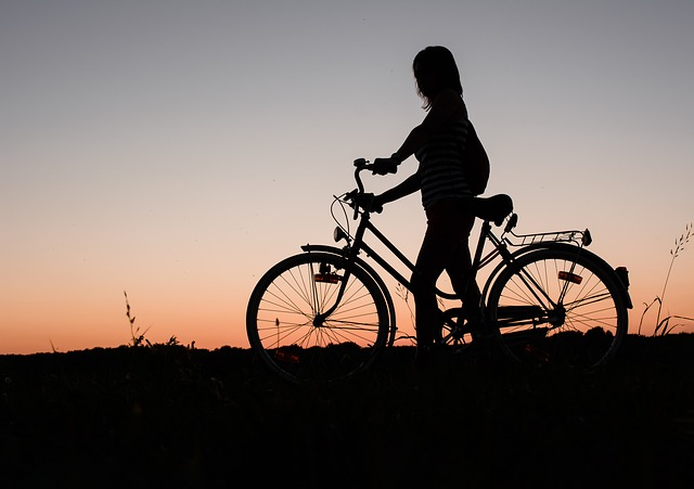 how and where bicycle accidents occur in Kansas city