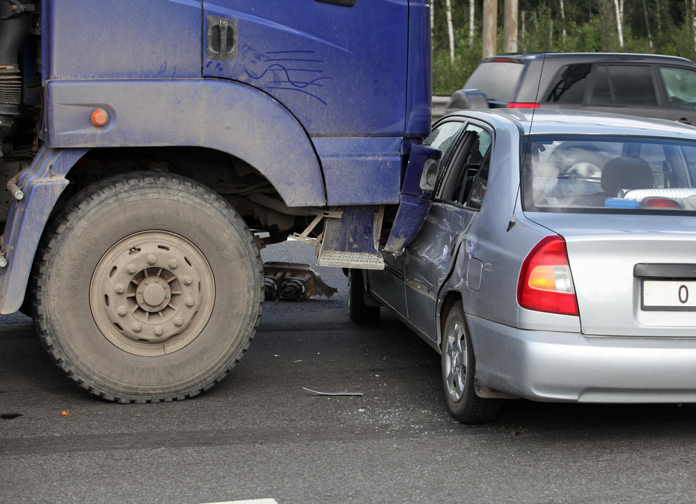 what kind of damages from truck accident Missouri or Kansas