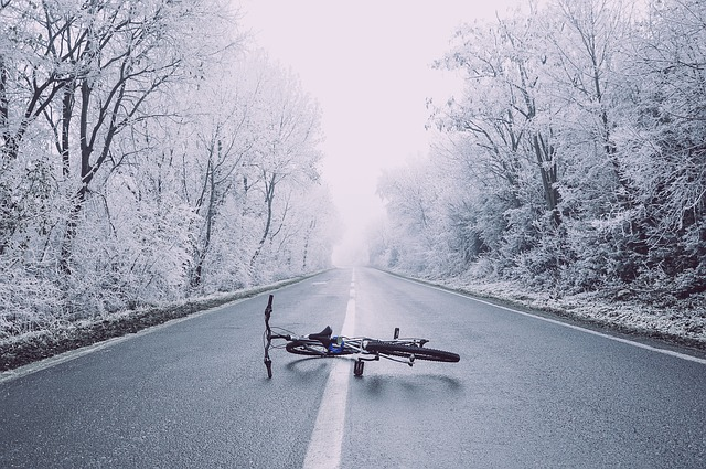bicycle accident on road in kansas or missouri
