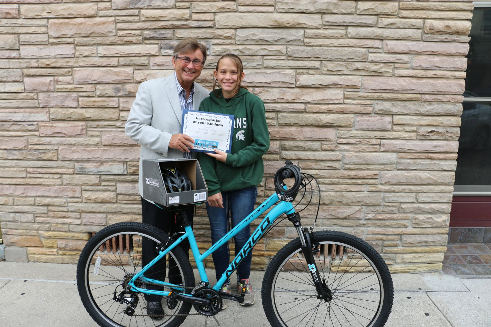 Joe Barberi and Chelsea White - Bikes for Kids winner 2016